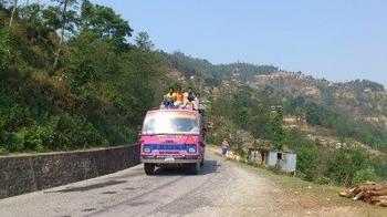 ピンクのバス.jpg
